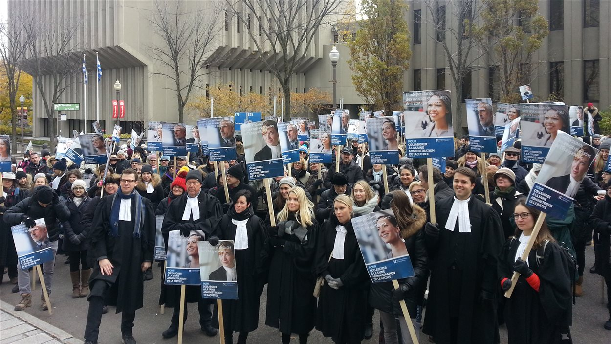 Lawyers and notaries show on Parliament Hill