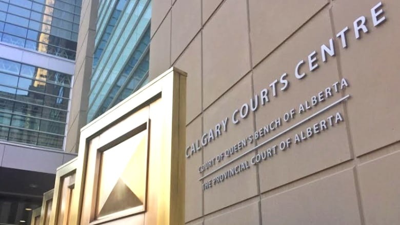 Hundreds of Calgarians charged with crimes walk free due to lack of prosecutors